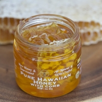 Raw Kau Honey with Comb